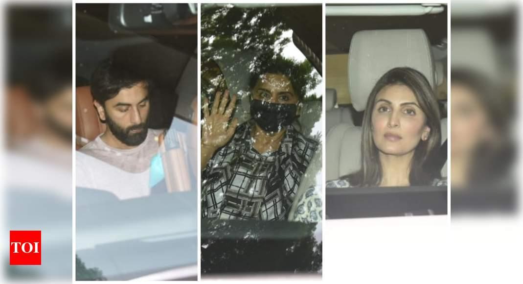 Ranbir and fam arrive at Alia's residence