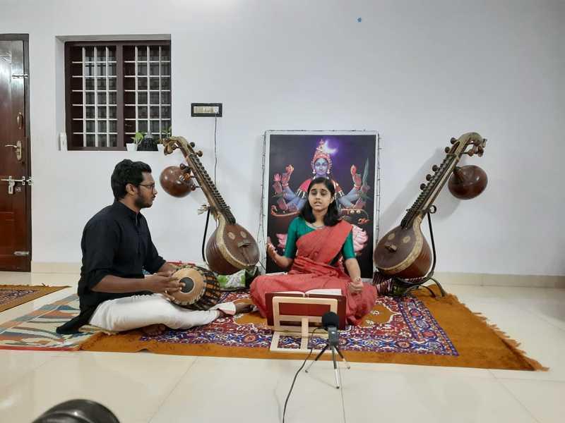 Musician Rajalakshmi Ashokan and her students perform Navarathri sangeetharchana