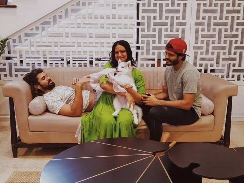 Video: Vijay Deverakonda and Storm Deverakonda's reaction upon being reunited after a month is all things cute