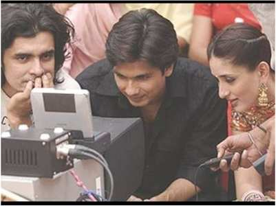 Bebo marks #13yrsOfJabWeMet with BTS pic