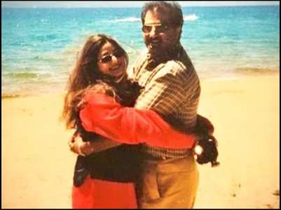Janhvi posts a throwback pic of Sridevi, Boney