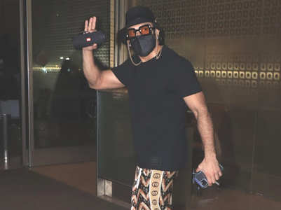 Pics: Ranveer looks cool as he gets spotted