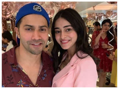 Varun-Ananya's throwback pic goes viral