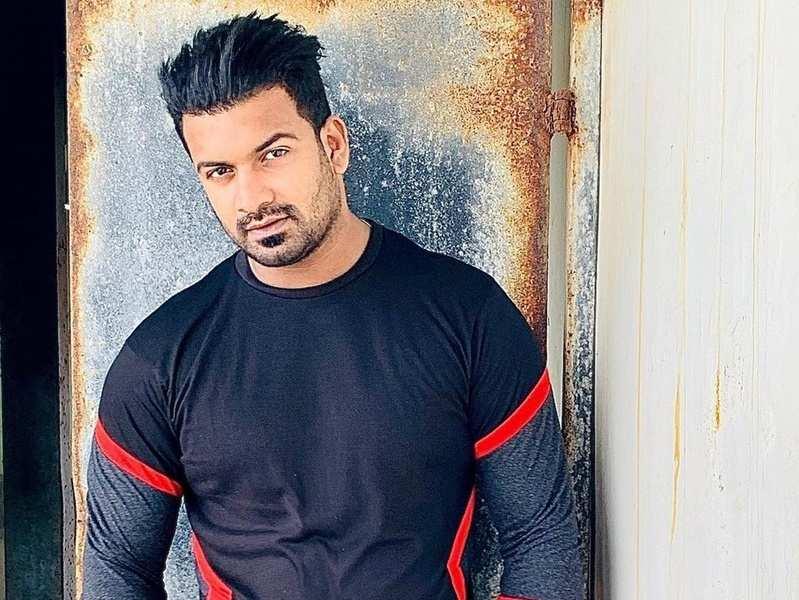 Actor Fawaz Zayani joins 'Kudumbavilakku' as Sampath