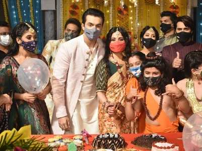 Mohsin celebrates birthday on YRKKH sets