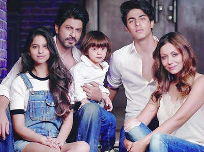 This is how SRK spent time in quarantine