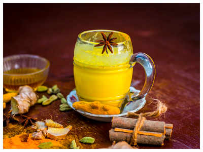 Experts believe that this Turmeric drink can help in managing diabetes and thyroid naturally