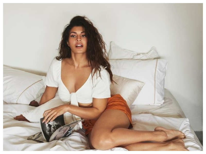 Jacqueline Fernandez amps up the heat on Instagram with her sizzling picture