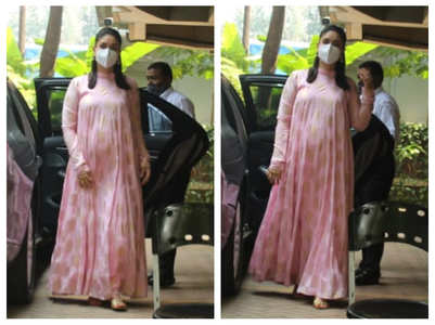 Kareena looks pretty in pink in latest pics