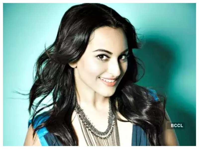 Sonakshi Sinha opens up about doing title roles in films, says she wants to be that heroine you can picture in any kind of movie