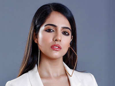 Exclusive: Malvi undergoes plastic surgery