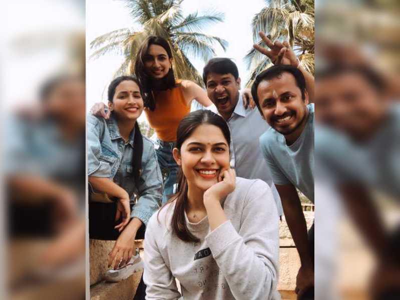 Asha Bhat and Srinidhi Shetty bond over fun times