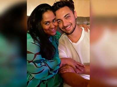 Arpita's pic with Aayush is all things love