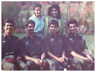 Shah Rukh's throwback pic from 'Fauji' sets