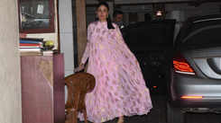 Mommy-to-be Kareena Kapoor Khan busts pregnancy 'myth' about eating for two, reveals how she's staying fit during second pregnancy