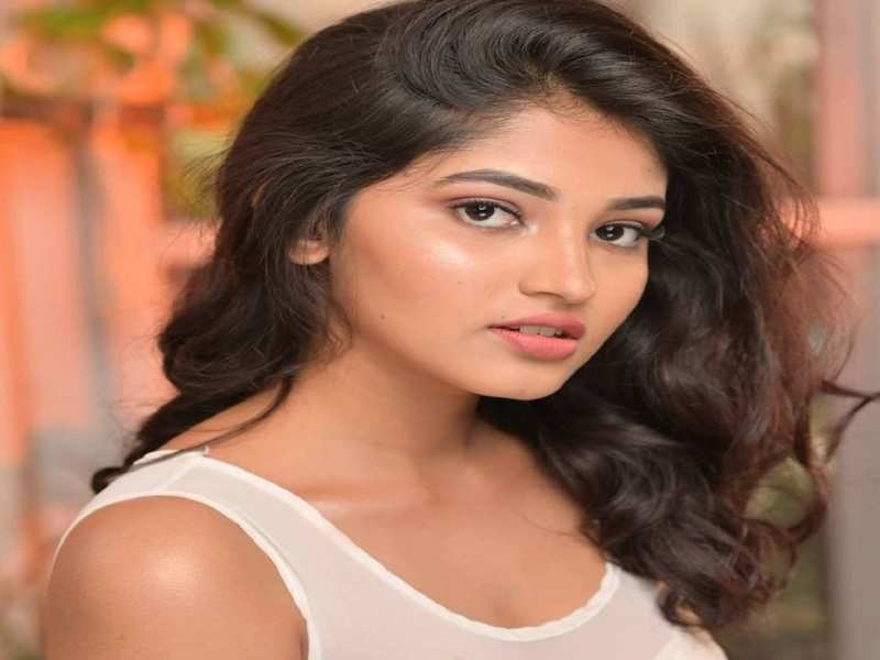 Rachana Inder to star in Ganesh-starrer Tribble Riding