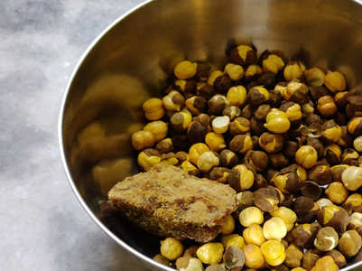 Eat jaggery and roasted black gram to boost immunity