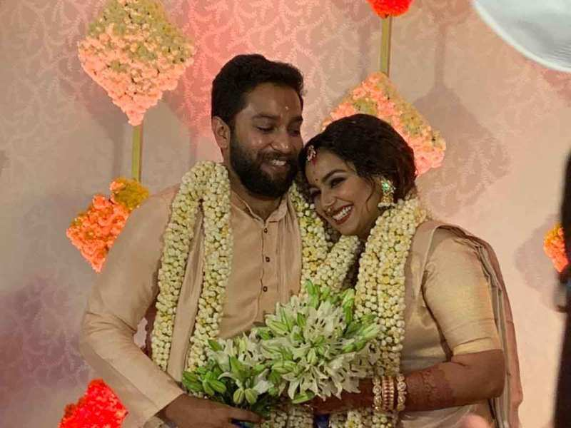 Mrudula Murali ties the knot with long-time beau Nitin Vijay