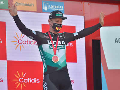 Bennett stripped of Vuelta stage win after bumping rival