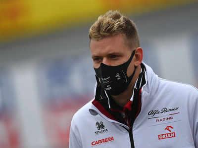 Kimi Raikkonen, Antonio Giovinazzi to stay with Alfa Romeo in 2021