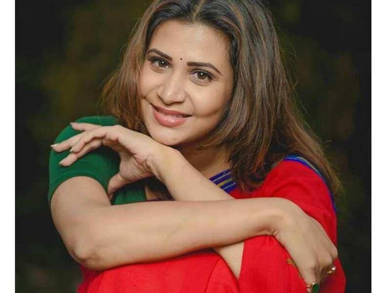 Parineeta Borthakur enjoys playing two different characters on the same show