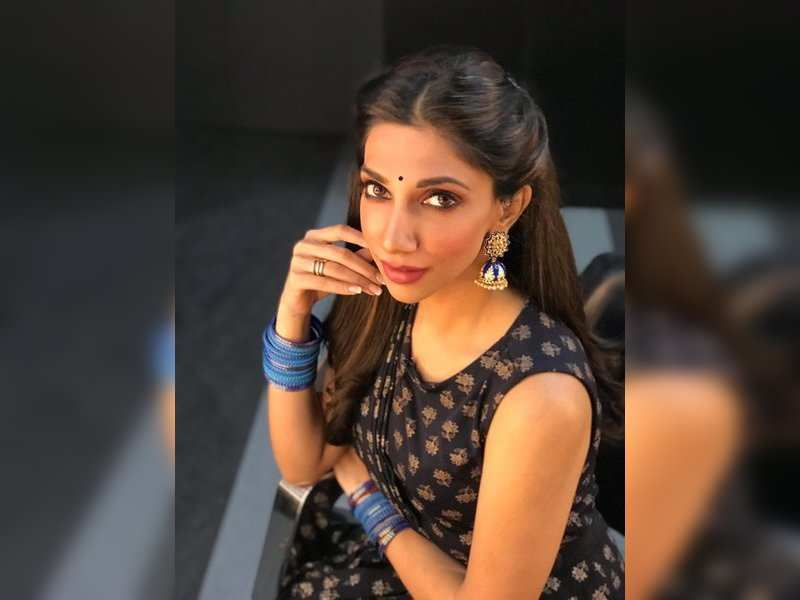 Anchor Bhavna to leave IPL bio bubble after her parents test positive for COVID-19