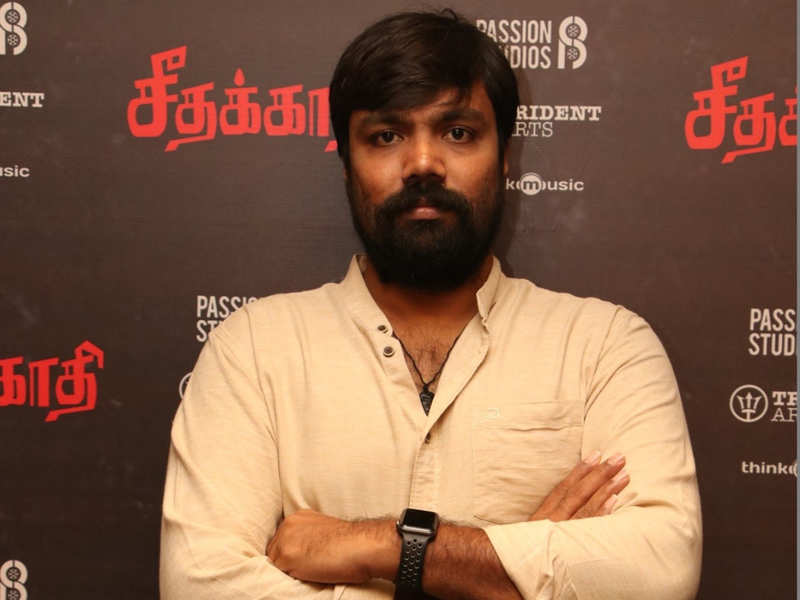 #TheatreLove: Watching movie in a theatre is quite a unique experience, says Balaji Tharaneetharan
