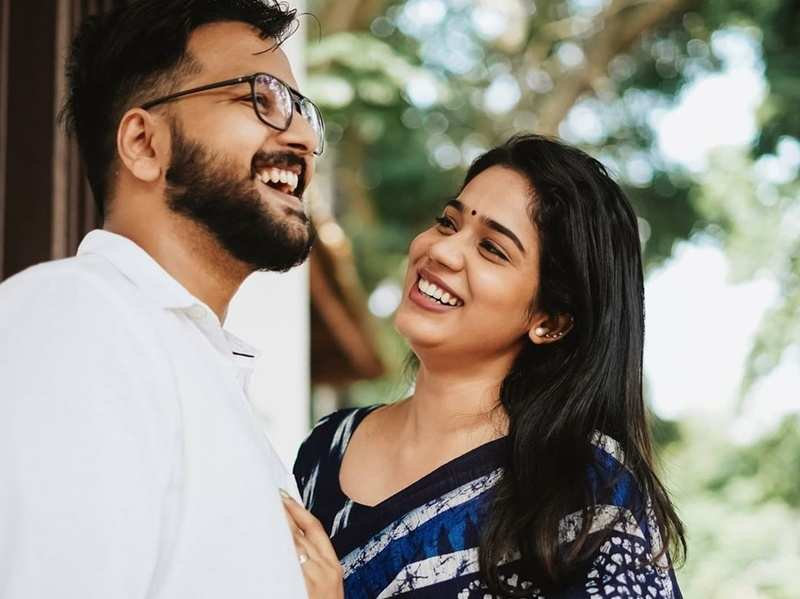 Kudumbavilakku actress Athira Madhav shares a glimpse of her pre-wedding shoot