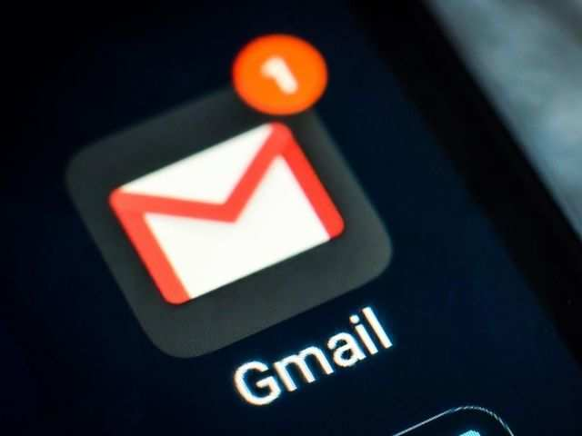 How to pin a chat in Gmail