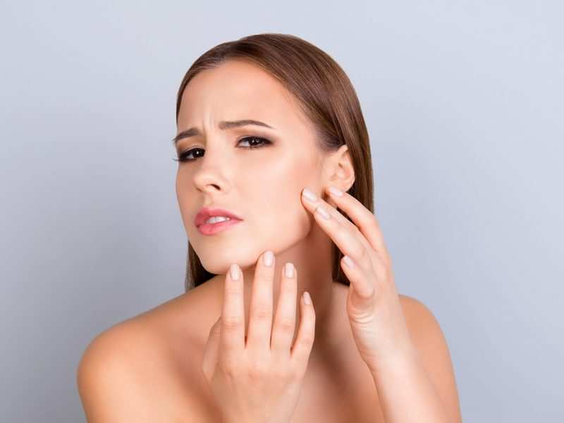 Effects of air pollution and ways to protect your skin from it