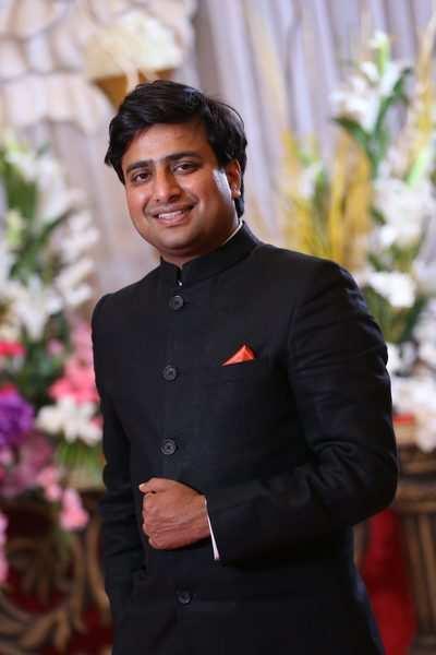 Yogi Dr. Amrit Raj Spreads The Light On Healthy Living