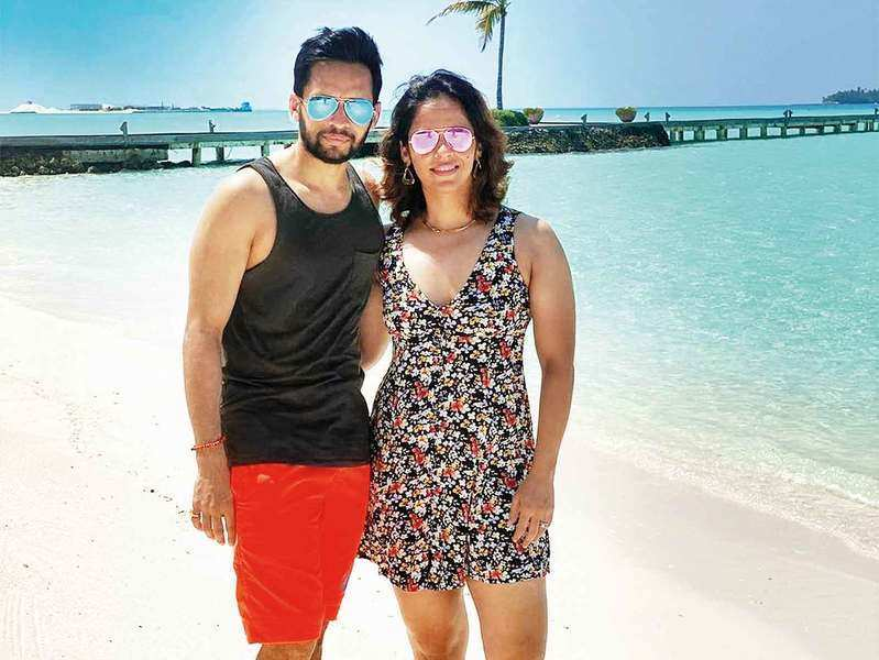Saina Nehwal, Parupalli Kashyap go on their first ever beach vacay with badminton buddies