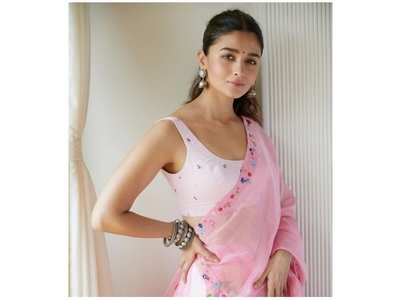 Alia pens a note of gratitude for her fans
