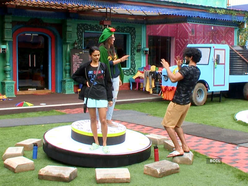 Bigg Boss Tamil 4, Day 45, November 18 highlights: Housemates worry about the error in Manikoondu task; Balaji Murugadoss's attitude leaves others upset