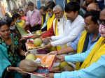 Chhath Puja celebrations begin with COVID-19 precautions