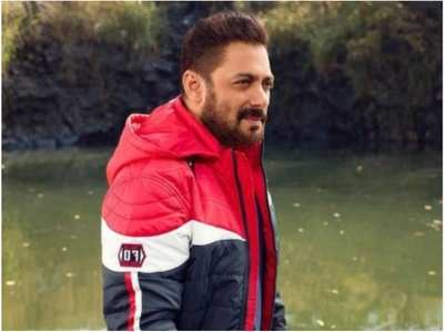 Salman looks handsome in his latest pic