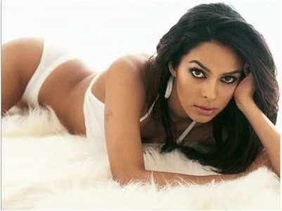 Mallika turns up the heat on the internet