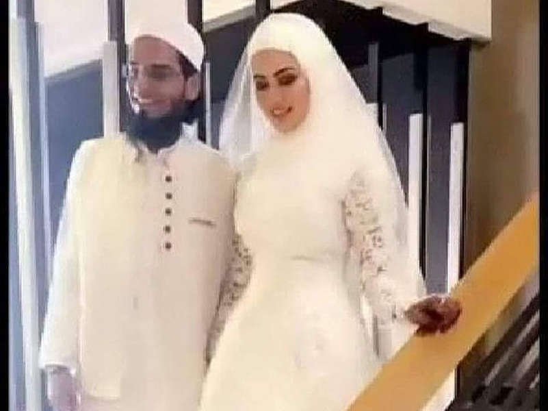 Bigg Boss 6 fame Sana Khan gets married to Mufti Anas in Surat