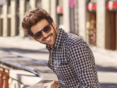 Kartik Aaryan's drool-worthy pictures