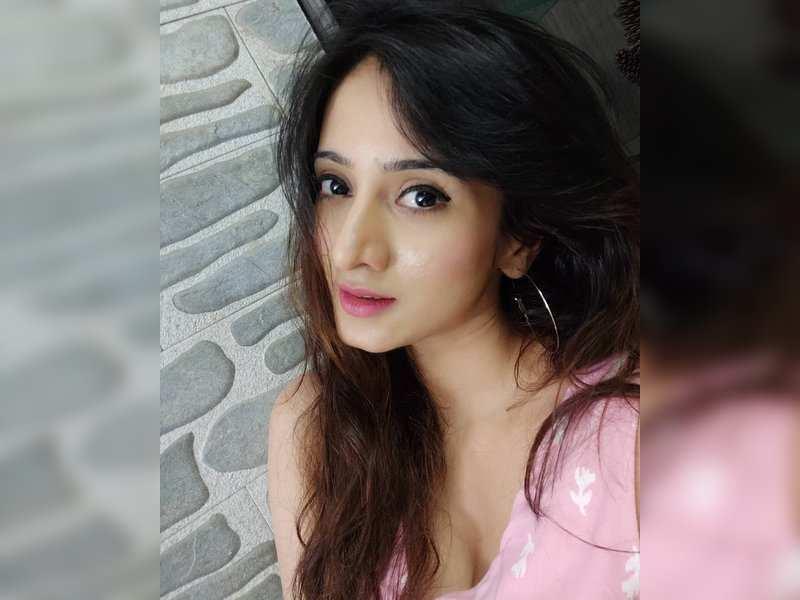Actress Harshika Poonacha's Twitter account gets hacked