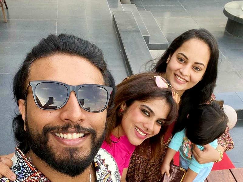 Suja Varunee and Shiva Kumar enjoy a vacation in Mahabalipuram (Photo - Instagram)