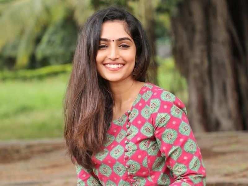 Reba Monica John stars opposite Dhananjaya in her next Kannada film