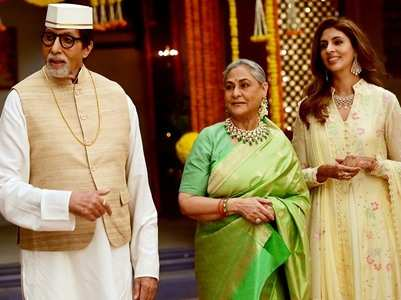 """Family at work"": Pic of Big B, Jaya & Shweta"