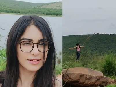Adah takes a jibe at Bollywood's vacay frenzy