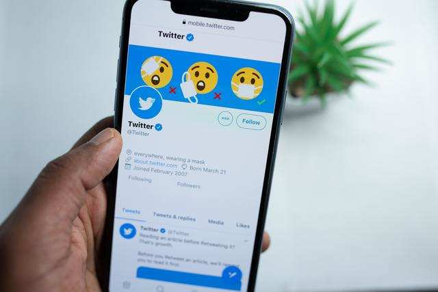 Twitter is bringing back the 'blue tick' again