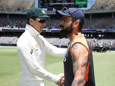 Waqar Younis expects tight contest between India and Australia