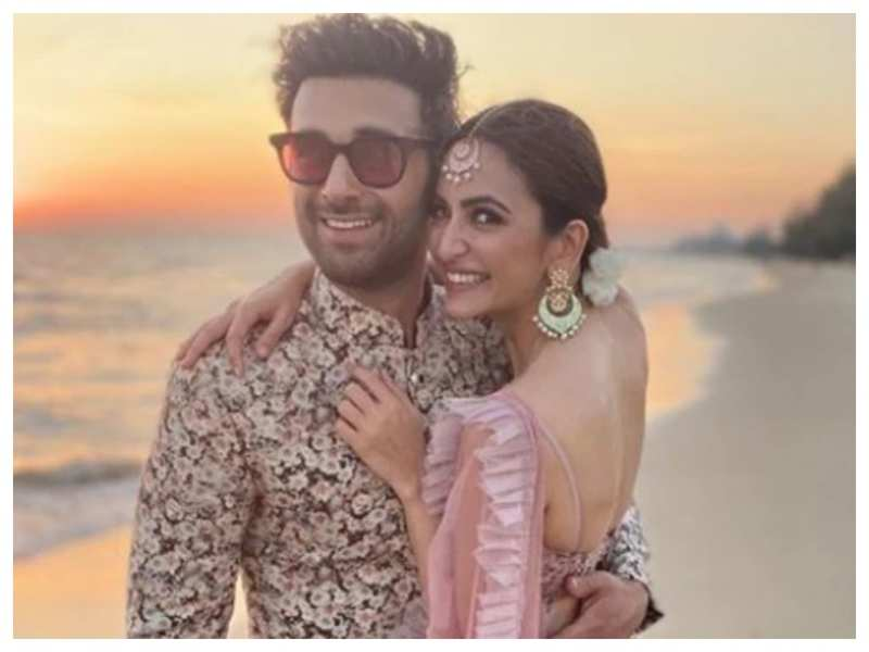 Kriti Kharbanda has THIS to say about reports of her impending wedding with Pulkit Samrat