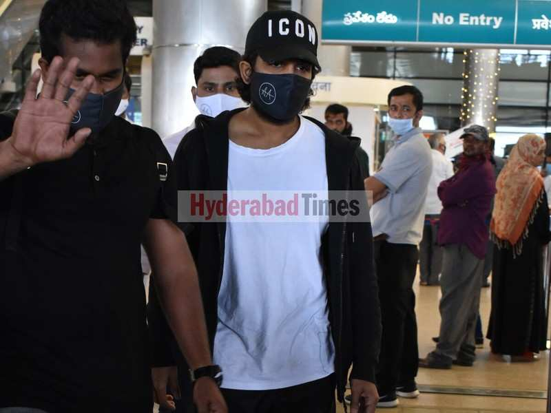 Spotted: Allu Arjun rocking casuals as he arrives in the city after shooting for Pushpa