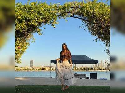 Suhana flaunts her long skirt; fan says, 'angel'