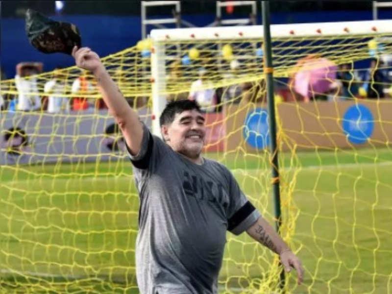 Kollywood pays tribute to Maradona